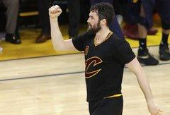 """NBA krepšininkų mityba: picų manija, 170 kg svoris, """"Big Mac"""" ir kardinalūs K.Love'o bei D.Greeno pokyčiai"""